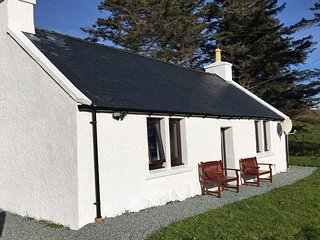 Shepherd's Cottage, set in a peaceful location overlooking Loch Eynort