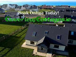 Modern 3 bedroom detached house . 3 minutes walk to Enniscrone beach. Sleeps 6