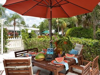 Casita Mar- Beautiful 2 BR, Heated Pool, w/Spa, Private Beach Access [Sleeps 4]
