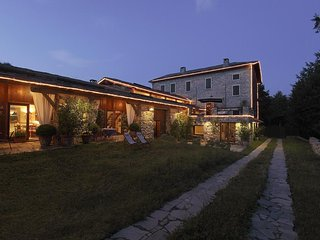 Cernobbio hill, Lake Como, Luxury cottage with cover pool