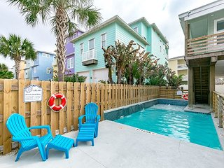 At Last: PRIVATE POOL, *FREE 6 Seat Golf Cart, Boat Parking, 4/3, Outdoor TV, Port Aransas