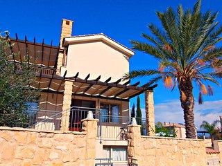 Private Sandy Beach - Exclusive Luxury Villa - Games Room - Infinity Pool - Wifi, Argaka