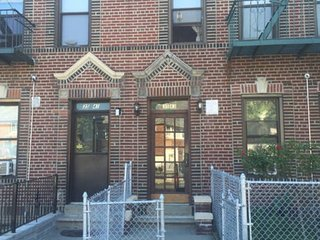 Great 2 room Apartment, 15 mins away from Manhattan, Astoria