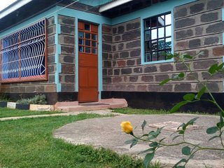 Gracious Court fully funished apartments , 200 mts to Lake nakuru national park.