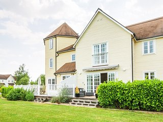 4 Bed New England Style Lodge in South Cerney - Windrush 93