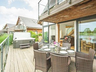 Contemporary open plan lodge with Hot tub - Waters Edge 5, South Cerney