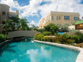 Hamilton Beach Villas - 1 & 2 Bedroom Units - Beach Front