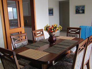 Apartamento novo, com vista para o mar, alto padrão, espaçoso e arejado.