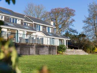 Pencreek House - sleeps 10 with riverside views