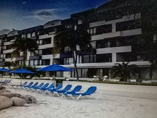 Royal Palm Beach Club Resort, Cole Bay