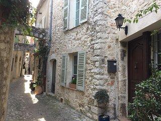 L'élégante Maison de village avec jacuzzi privatif, St-Paul-de-Vence