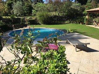 Villa 8 pers clim piscine, 4000M2 jardin, au calme sur les hauteurs