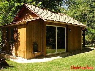 Cabane au bois, Rouffignac-Saint-Cernin-de-Reilhac