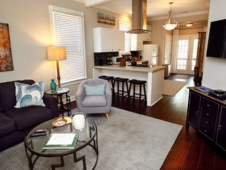 Charming Renovated MidTown Cottage, Memphis
