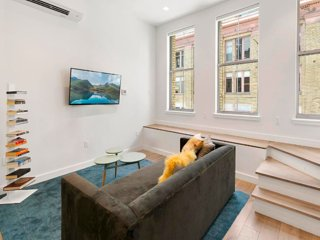 Hyper-Modern 3 Bedroom Townhouse in the Seaport, Nova York