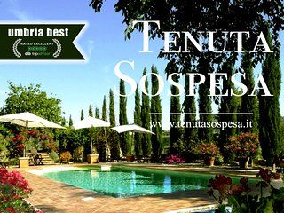 Exclusive Villa or Apartments for 2 to 15 pers NEAR TUSCANY Earthquake safe zone
