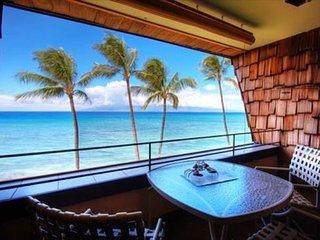 Beautiful oceanfront 2 bed, 2 bath 3rd floor condo