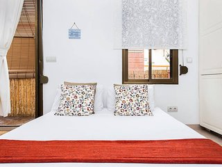 Charming Apartment in front of Barcelona's marina