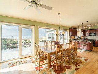 Experience this modern oceanfront home on Waldport's secluded beaches!