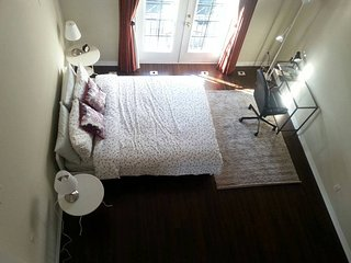 Luxury 2story with prvt bthroom& Jacuzzi- Rosedale, Toronto