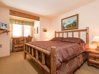 Tenderfoot Lodge 2656 - Walk to slopes, Mountain House, great views from outdoor hot tubs!, Keystone