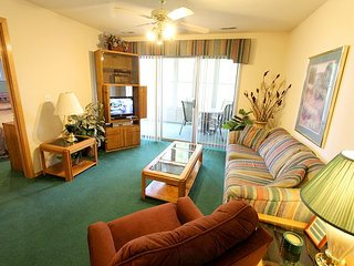 Lakeside Getaway : Pet Friendly-3 Bedroom, 3 Bath, Table Rock Lake Condo, Hollister