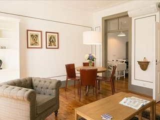 Spacious Serpa Pinto II apartment in Baixa/Chiado with WiFi & airconditioning