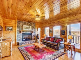 Mountainview cabin in private community w/ hot tub, game room, pool, playground, Sevierville
