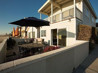 Newly Renovated Oceanfront Single Family Home! Spacious Patio! (68133), Newport Beach