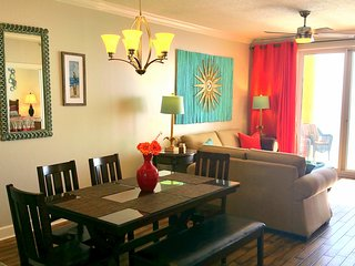 SUN is Calling. ANSWER! Upscale, Inviting, Spotless. New beds. HUGE Balcony.
