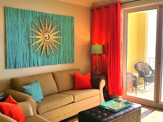 Sun is Calling. Answer! Upscale 2BR/2BA Condo right on the Beach, Panama City Beach
