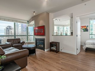 Sunny & Spacious 900SQ 3Bd 2 Bath Downtown Netflix, Vancouver