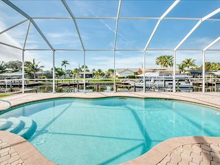 Villa Coral Sunset - Sailboat Access & Western Exposure Pool, Cape Coral