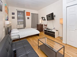 Amazing Studio w/ Private Garden Upper East -  #1A