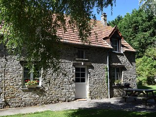 3 Bedroom country cottage 6km from beaches, La Haye-du-Puits