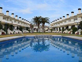 C-113. Casa en Cambrils para 9 personas con piscina y a 150 metros de playa