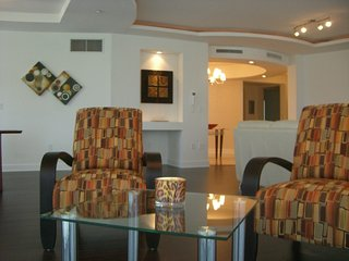 Extraordinary Location Private Beach Resort Large, Fort Lauderdale