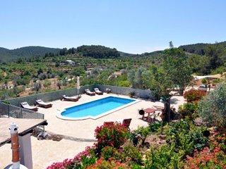 Casa típica ibicenca con piscina, jardín, billar, ping pong y preciosas vistas, Port de Sant Miguel