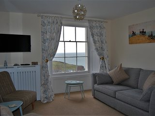 Seagrass Apartment, beautiful sea views, parking