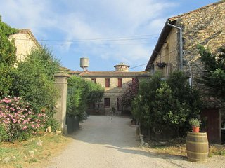 3 chambres d' hôtes dans domaine vinicole, Souvignargues