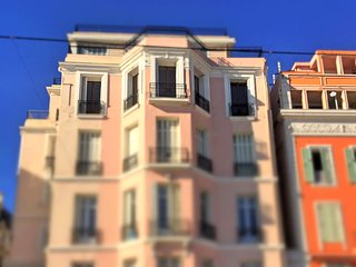 Luxurious Seafront Belle Epoque apartment