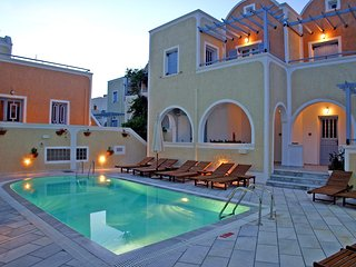 Sellada Pool Front Apartment