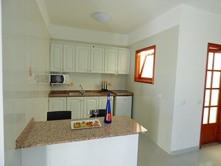 Casa Fefa, central one bedroom apart with ocean views, Playa Blanca
