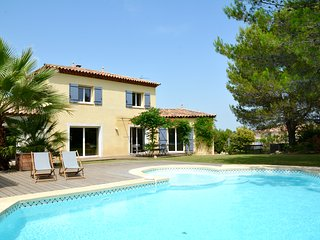 TRADITIONAL LANGUEDOC VILLA WITH POOL, MONTPELLIER, Saint-Drezery