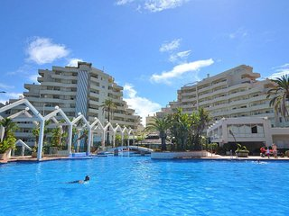 NEW! Large studio in Benalbeach with open sea views, pools and gym.