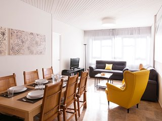 Spacious and very well connected apartment