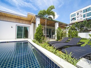 Modern 2-Bed Pool Villa near Kamala Beach