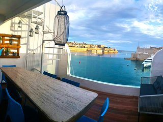 Valletta Views, Designer Finish Penthouse, Senglea Ta'Sophia
