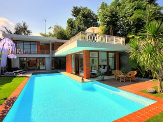 Stylist 4 Bedroom Villa in Seminyak