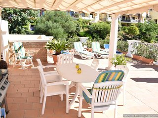 2 Bedroom Spacious Penthouse with Large Solarium with BBQ Benahavis R111